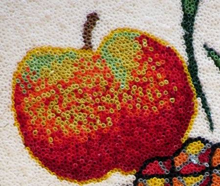 Apple detail, Cruz del Monte, Brea Baja, 2011