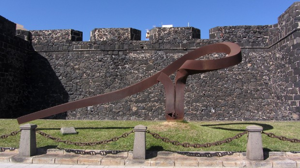 The statue of the trade winds in front of St Catherine's Fort