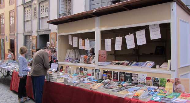 Bookstalls in the Calle Real, Santa Cruz de La Palma